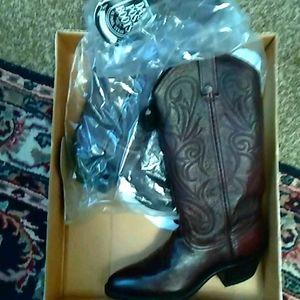 Beautiful Dan Post Comfort boots